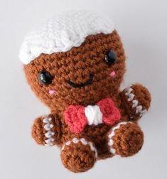 Charles the amigurumi gingerbread man (free crochet pattern) // Amigurumi mézi - horgolt mézeskalács figura (ingyenes minta) // Mindy - craft tutorial collection // #crafts #DIY #craftTutorial #tutorial #ChristmasCrafts #Christmas #Karácsony