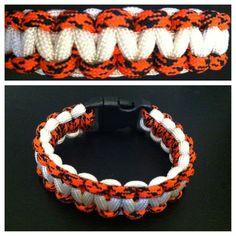 #orangecamo #orange #camo #white #blackbuckle #black #buckle #cobra #550paracord #paracord #bracelet email for more information: knottysurprise@gmail.com