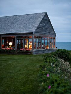 oh wow - to be able to sit and see the ocean on all three sides? Heavenly! -->sea house