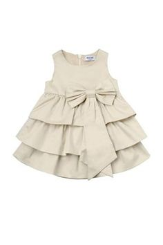 A look for every it baby: this is how the famous children's children will dress - Babykleidung Baby Frock Pattern, Baby Girl Dress Patterns, Kids Frocks Design, Baby Frocks Designs, Girls Dresses Sewing, Dresses Kids Girl, Little Girl Outfits, Kids Outfits, Baby Girl Frock Design
