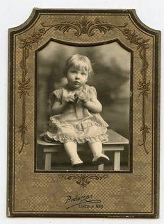 Antique Photo In Folder - Very Cute Petite Little Girl - Lincoln, Nebraska