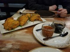 Korean Fried Chicken with Garlic Chili Sauce & Soy Syrup Korean Fried Chicken, Chili Garlic Sauce, Food Reviews, Restaurant Recipes, Restaurants, Meat, Syrup, Kitchen, Blog