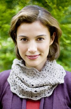 Cardiff Cowl pattern by Lion Brand Yarn #crochet