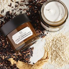 Buy Chinese Ginseng and Rice Clarifying Polishing Mask from The Body Shop: Our Polishing Mask enriched with energy-boosting Ginseng brightens and revilatizes skin. The Body Shop, Body Shop At Home, Acne Face Mask, Diy Face Mask, Skin Mask, Face Skin, Homemade Face Masks, Homemade Skin Care, Beauty Products