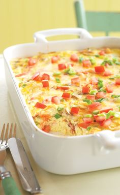 Crustless Bacon and Cheese Quiche Fresh green onions, mushrooms and tomatoes team up with eggs, bacon, sour cream and cheese for a mouthwatering quiche without the fuss of the crust.