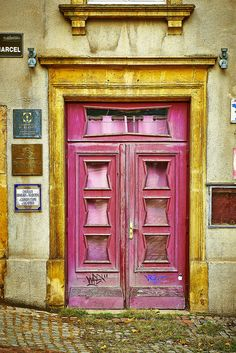 Pink Warn Door - Metz, France