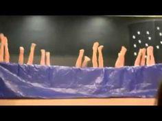 Al escenario... nado sincronizado? #Tienesqueverlo #FelizLunes Un grupo de alumnos de - YouTube