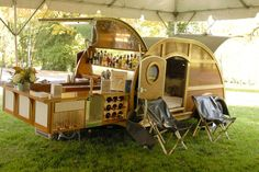 This Mobile Home Bar Is One Happy Camper A mobile home bar and then some. This custom woody trailer comes complete with all the comforts of home on wheels. The style caravan has a modern kitchen. Kombi Trailer, Trailer Park, Vw Caravan, Camper Trailers, Rv Campers, Micro Campers, Retro Trailers, Tiny Trailers, Vintage Campers