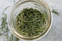 How to make your own dried rosemary