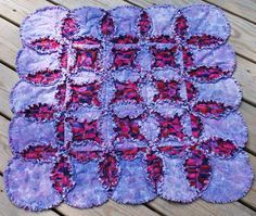 Curved Seams are a Cinch in this Cathedral Windows Rag Quilt Pattern
