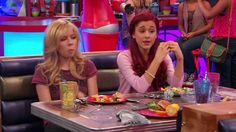 Sam and Cat My Poober Photos Ariana Grande Baby, Ariana Grande Facts, American Music Awards, American Singers, Sam E Cat, Nickelodeon Shows, Jessie J, Jennette Mccurdy, Mtv Video Music Award