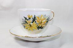 Hey, diesen tollen Etsy-Artikel fand ich bei https://www.etsy.com/de/listing/479499683/royal-vale-bone-china-yellow-flowers-tea