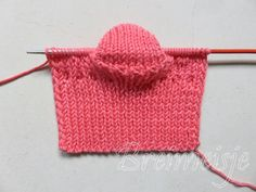 Babysokjes breien foto 11 Knitting For Kids, Baby Knitting, Crochet Diagram, Baby Boots, Happy Baby, Knitted Hats, Van, Pattern, Gifts