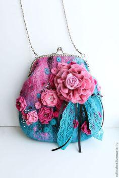 "Embroidered beaded earrings big ""Adele"" - Fair of the Masters - handmade, handmade. Unique Purses, Cute Purses, Fabric Handbags, Purses And Handbags, Vintage Purses, Vintage Handbags, Felt Purse, Coin Purse, Frame Purse"