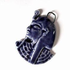 "Pendant ""pharaon"" bleu en céramique"