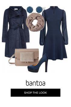 Cappotto Zara in velluto blu, con fodera fucsia. Depop