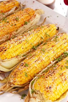 Corn on The Cob Using Oven Summer time is here! And this grilled corn on the cob recipe is perfect for the barbecue season! Corn Recipes, Side Dish Recipes, Vegetable Recipes, Mexican Food Recipes, Vegetable Ideas, Dinner Recipes, Barbecue Recipes, Grilling Recipes, Cooking Recipes