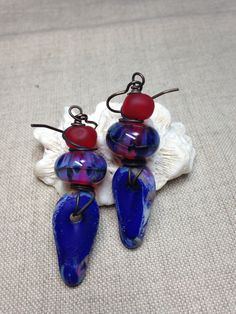 Handmade artisan lampwork etched dangles, boro lamp work beads and etched lamp work in red