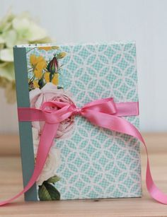 Booklet Box template and tutorial from Damask Love