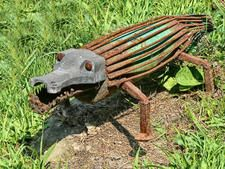 Alligator from recycled metal