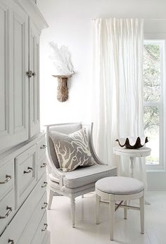 Seaside Cottage vignette in white