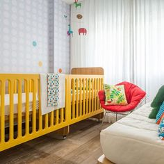 Quarto de bebê colorido. Projeto Leila Bittencourt