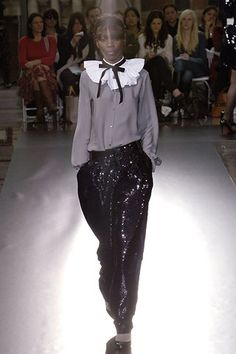 Richard Nicoll Fall 2006 Ready-to-Wear Collection Photos - Vogue Runway Fashion, Fashion Show, Fashion Trends, Lace Skirt, Sequin Skirt, Fashion Essentials, 3.1 Phillip Lim, Ready To Wear, Stylish