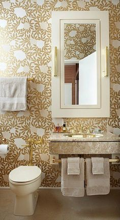 gold small bathroom design idea