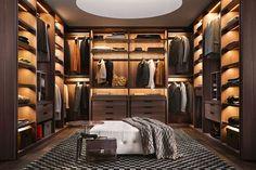 Para muchas personas, el orden de su ropa, es fundamental. Más que nada, por el hecho, de ver sus cosas con un cierto orden. Lo que da la sensación de limpieza. Por lo mismo, es que se han creado los closets. Un lugar donde podemos almacenar y ordenar nuestras prendas. Un walk in closet, es …