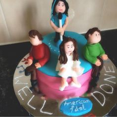 My muse @laurafrancesh19 made a cake with me & the judges & it's too amazing not to share! #holycrap #MuseMafia