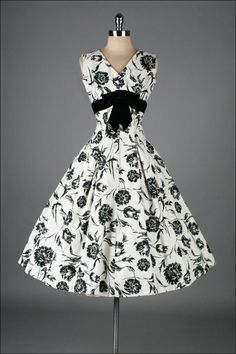 1950's Elinor Gay Black White Cotton Floral Dress