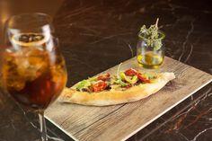 Χύτρα restaurant bar - Eat Yourself Greek Restaurant Bar, Athens, Vegetable Pizza, Vegetables, Food, Essen, Vegetable Recipes, Meals, Yemek