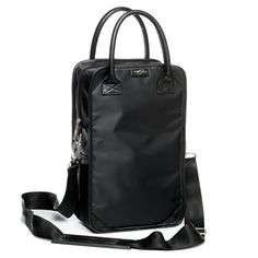 $42.00  The Il Primo Wine Tote is a elegant way to transport wine in a stylish and comfortable way. View product details for complete description.