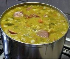 Hollandse Erwtensoep Winter Hunger: Dutch Pea Soup Good healthy food in wintertime Dutch Recipes, Soup Recipes, Cooking Recipes, Beef Recipes, Typical Dutch Food, Netherlands Food, Enjoy Your Meal, Good Food, Yummy Food