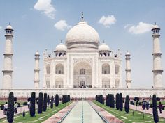 Agra tour package by volvo coach