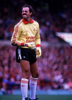 Liverpool Goalkeeper, Liverpool Football Club, Liverpool Fc, This Is Anfield, Milk Cup, Everton, Finals, Pitch, Glasses
