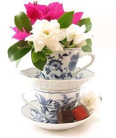 Coffee cup centerpiece