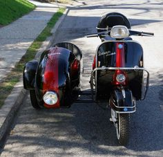 The best looking custom vintage Vespa sidecar vehicles for a ride along in style. Sidecars available with all our models of vintage Vespa scooters.