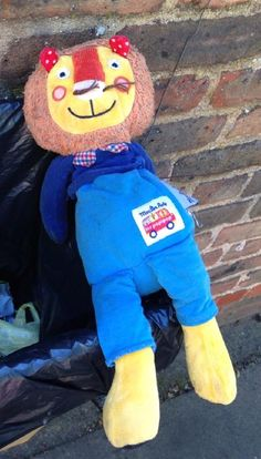 Lost at shirland road on 02 Sep. 2016 by Ayumi: Please help us finding our lost Lion cuddly toy. All Is Lost, Sep 2016, Pet Toys, Lion, Teddy Bear, Animals, Leo, Animales, Animaux