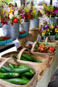 Farmers Market -Things to Do in Asheville North Carolina USA Visit Asheville, Asheville North Carolina, Western North Carolina, Asheville Food, Carolina Usa, Farmers Market Display, Market Displays, Produce Displays, Farmers Market