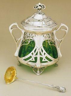 Württembergische Metallwaren Fabrik (WMF) Art Nouveau punch bowl and ladle, c. Or Antique, Antique Silver, Antique Glass, Decoration, Art Decor, Jugendstil Design, Bijoux Art Nouveau, Modernisme, Art Nouveau Design