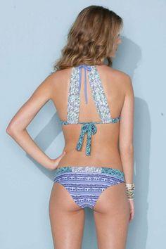 Back Totally makes the bikini The Bikini, Bikini Beach, Sexy Bikini, Summer Suits, Summer Wear, Bikini Fashion, Beach Fashion, Summer Bikinis, Bathing Beauties