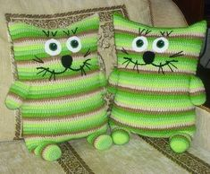 Baby Knitting Patterns Pillow Couch Cushion in the shape of a cat …, 9 great ideas to crochet! (Diy Pillow's For … Crochet Patterns Free Women, Baby Knitting Patterns, Amigurumi Patterns, Crochet For Kids, Crochet Toys, Crochet Baby, Crochet Pillow Pattern, Crochet Cushions, Crochet Chicken