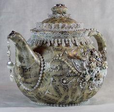 Smábitar frá mér - Pieces of me...love! Piece Of Me, Alters, Teapot, Altered Art, Tea Pot
