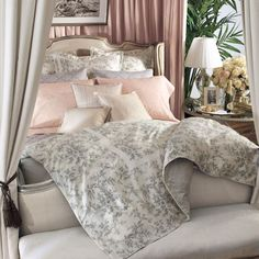 Shop our shabby chic bedding, with floral, toile and cottage style comforters, quilts and duvet covers inspired by Rachel Ashwell King Duvet Set, Comforter Sets, King Comforter, Comforter Cover, Duvet Covers, Home Decor Bedroom, Master Bedroom, Bedroom Ideas, Bedroom Stuff