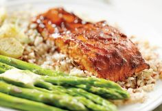 A healthy meal in one pot! Salmon and asparagus steam while brown rice cooks…