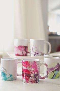 DIY Marbeled Nail Polish Coffee Mugs Tutorial -- make these beautiful mugs with nail polish and water! #diy #crafts