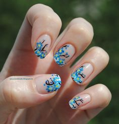 Blue blossom nails http://passionorkinda.blogspot.ru/2013/08/blue-blossom.html