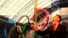 #Esportes: Como funciona a tocha olímpica? | Um dos maiores espetáculos das Olimpíadas é o acendimento da chama olímpica, na cerimônia de abertura. A tocha é carregada até o estádio e acende a chama que não se apaga. Mas você sabe como esse ritual funciona? Se não, veja agora. http://curiosocia.blogspot.com.br/2013/08/como-funciona-tocha-olimpica.html