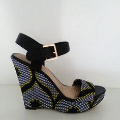 Sandales compensées customisées avec du pagne wax n°3
